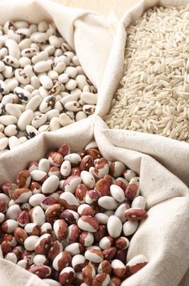 В едно от храненията  - варива или зърнени храни